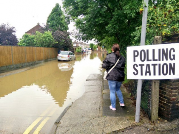 A downpouring of rain in England caused floods in key places that may have affected the vote in Britain on 6-23-16